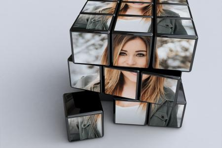Print photos on beautiful Rubik for free