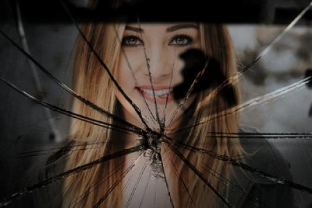 Create broken mirror effect with your photo